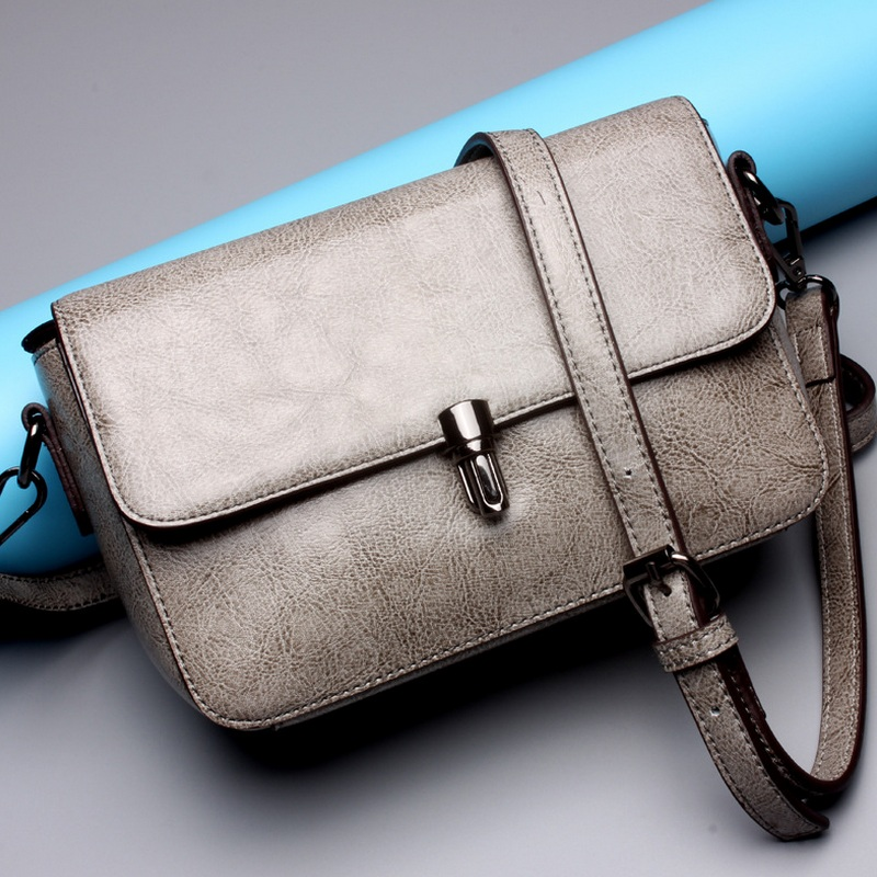 Women Cow Leather Retro Flap Bag Shoulder Bags Female Small Messenger Bag Famous Brand Designer Solid Cover Handbag Clutch Bolsa<br><br>Aliexpress