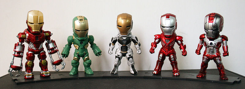 Huong Movie Figure 10 CM 5PCS/SET Iron Man MK 5 33 35 37 39 with Light PVC Action figure Collectible Model Toys Brinquedos<br>