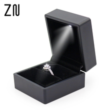 LED Light Square Rubber Painted Fine Jewelry Box Ring Box Gift Box Jewelry Organizer Wedding Gifts Jewelry Display Black 1PC