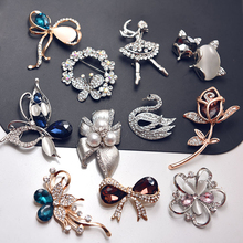Crystal Opal Flower Butterfly Brooch Pin Rhinestone Alloy Rose Gold Brooches Birthday Gift Garment Accessories Women Jewelry