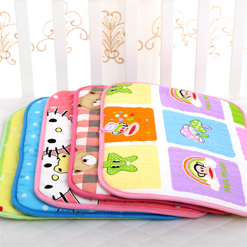 30X40CM Small Baby Changing Mat 2Pcs Infants Foldable Waterproof Mattress For Baby Stroller Diaper Pad Reusable Cushion Diaper(China)