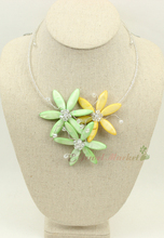 N14121609 green MOP shell crystal flower necklace
