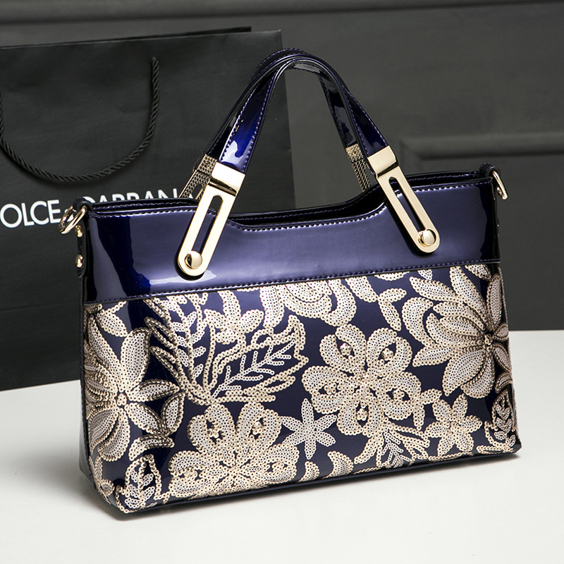 2018 new designer handbags high quality patent leather women hand bag famous brand shoulder messenger bag lady clutch embroidery<br>