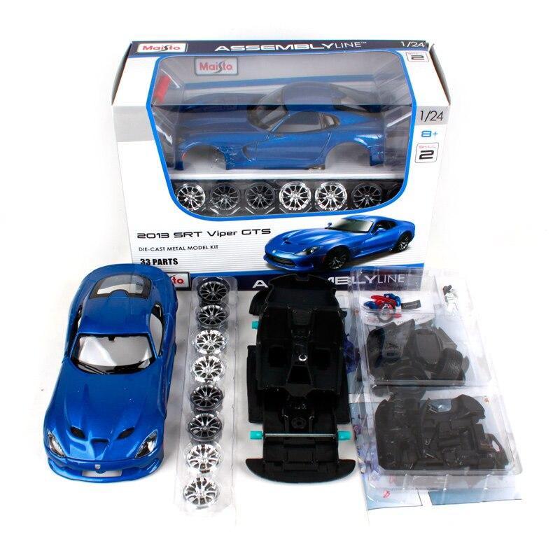 2013 Dodge SRT Viper GTS Die-cast Car 1:24 by Maisto 8 inch Blue