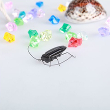 New Kids Novelty Solar Powered Plastic Fake Cockroach Simulation Insects Animals Roach Model Toy Funny Trick Joke Toys for Child(China)