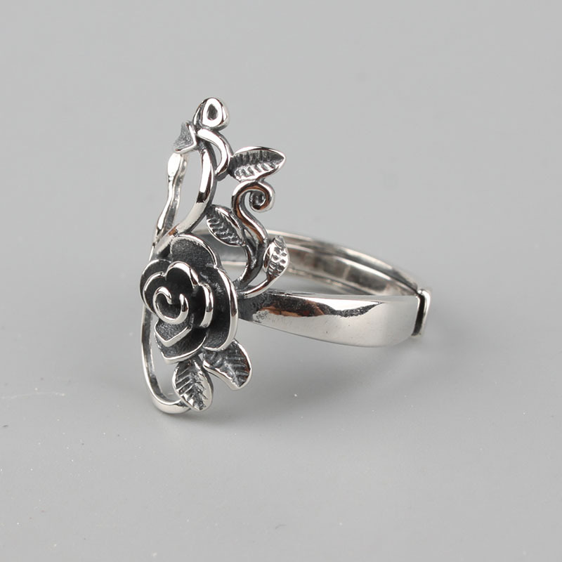 Highly Crafted 925 Sterling Silver Rose Flowers Ring
