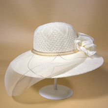 2017 Summer New Sun Hats for Women Fashion Wedding Polo Hat Girls Becah Caps Elegant Ladies Lace Flower Cap Dresses Accessires