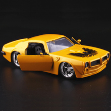 JADA 1:32 scale High simulation alloy model car,Pontiac Firebird,2 open door,quality toy models,free shipping