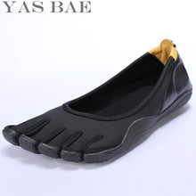 Yas Bae Hot Sale China Brand Design Rubber with Five Fingers Outdoor Slip Resistant Breathable Light weight Shoe for Men