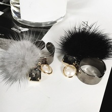 2016 Korean New Vintage Mink Fur Pom Pom Ball Crystal Rings Simulated Pearl Jewelry Personality For Women Bague(China)
