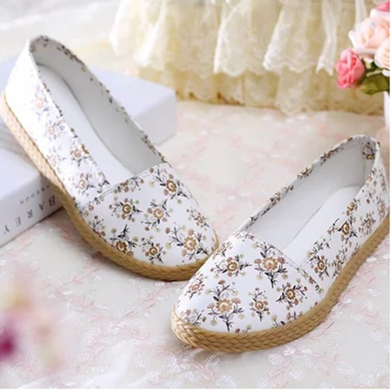 Ladies Canvas Floral Cotton Fabric Weaving Big size Cheap 40 Single Shoes On Flat Round Closed toe Women Dancing Driving Flattie<br><br>Aliexpress