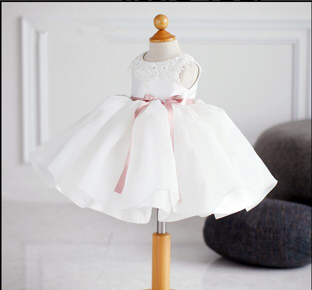 2018 New Elegant Lace Beading Wedding Flower Girl Dresses Baby Birthday Party Gowns Kids Princess Pageant First Communion Dress<br>