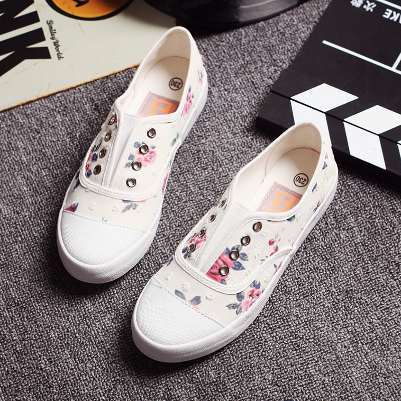 2017 women canvas shoes fashion casual shoes female lazy pedal floral shoes summer breathable flat  brand shoes white,blue<br><br>Aliexpress