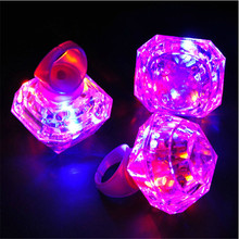 Cool Party Decoration Huge Diamond Led Glowing Finger Ring Toy Novelty Flaring Flashing Light For Kid Birthday Favors 24pcs