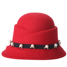 2017 Spring Red Fedoras For Women Pearl Decorated Felt Hat Vogue Chapeau Female Bowler Hats Free Shipping
