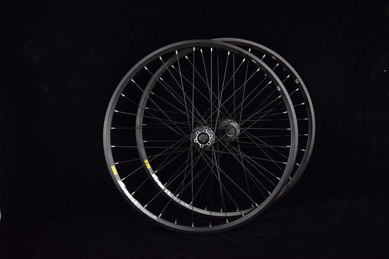 disc brake wheelset-center lock 114
