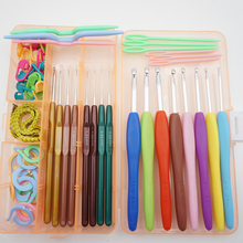 Soft 16 pieces Plastic TPR Crochet hook Stitches knitting needles Multicolor Aluminum Knit tool needlework agulha de croche t6