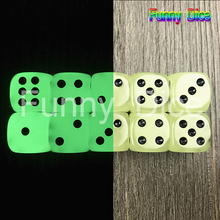 10Pcs Glow in the Dark Dice Cubes 6 Side 16mm Night Light luminous Toy Fun Board Game Night Bar KTV Entertainment Game Dice(China)