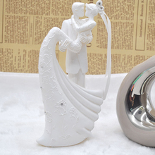 Romantic Bride And Groom Resin White Wedding Cake Topper Cake Stand Wedding Cake Accessories Decoration Lover Couples Gift