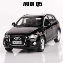 Car Models 1:32 Scale AUDI Q5 Alloy Car Toys For Children Vehicle Toy Car-styling Metal Diecast Pull Back Sound Light 3 Colors
