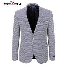 Mantel zu dunkelblauem anzug