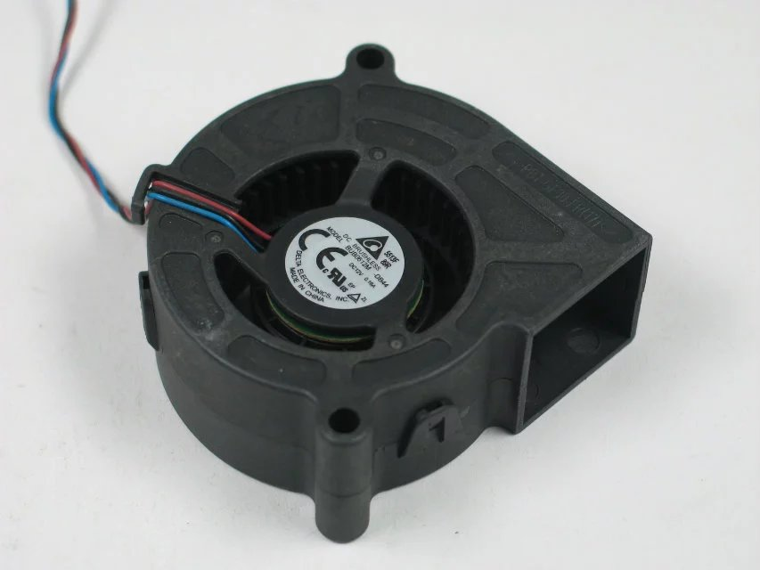 Free Shipping For Delta BUB0612M, -DB44 DC 12V 0.16A 3-wire 3-pin 60x60x25mm Server Square fan<br>