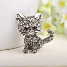 Antique Silvery Hello Kitty Cat Brooches For Women Men Brooch Pins Dress Accessories Lovely Animal Broach Lapel Shawl Pin