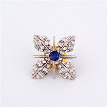 H:HYDE Cheap Vintage Jewelry 3 Colors Austria Crystal Flower Clover Shape Brooches pins for women Fashion Brooch Jewelry(China)