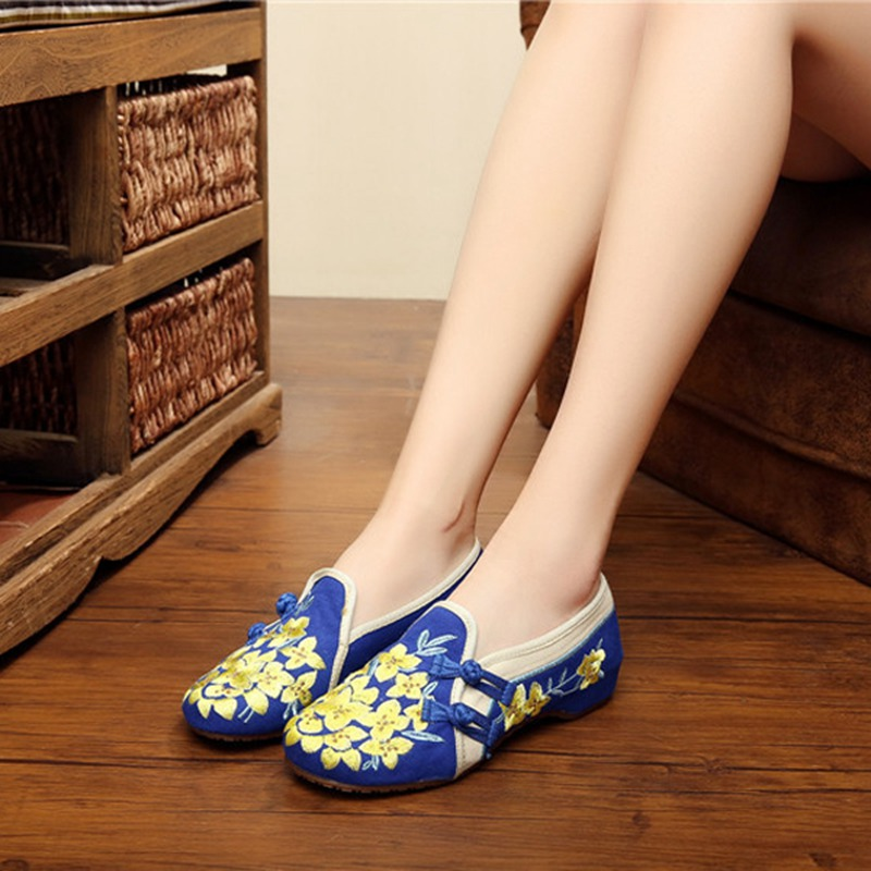 Casual Flats Flower Chineseknot Embroidery Retro Vintage Women Shoes Spring Autumn Slip On Canvas Flat Shoes Driving Loafers<br><br>Aliexpress