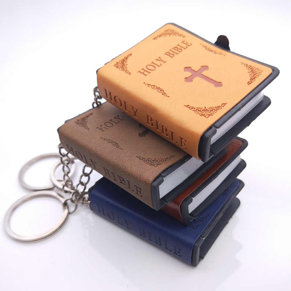 Detail Feedback Questions about Mini Leather Book Pendant English Spanish  Version of Christian Holy Bible Keychains Funny Car Ker Bags Pendant  Personality ... f00dd7fcb114