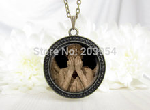 Steampunk drama doctor dr who don't blink weeping angel Necklace 1pcs/lot cry Silence silver Heavenly Host Pendant 2017 vintage(China)