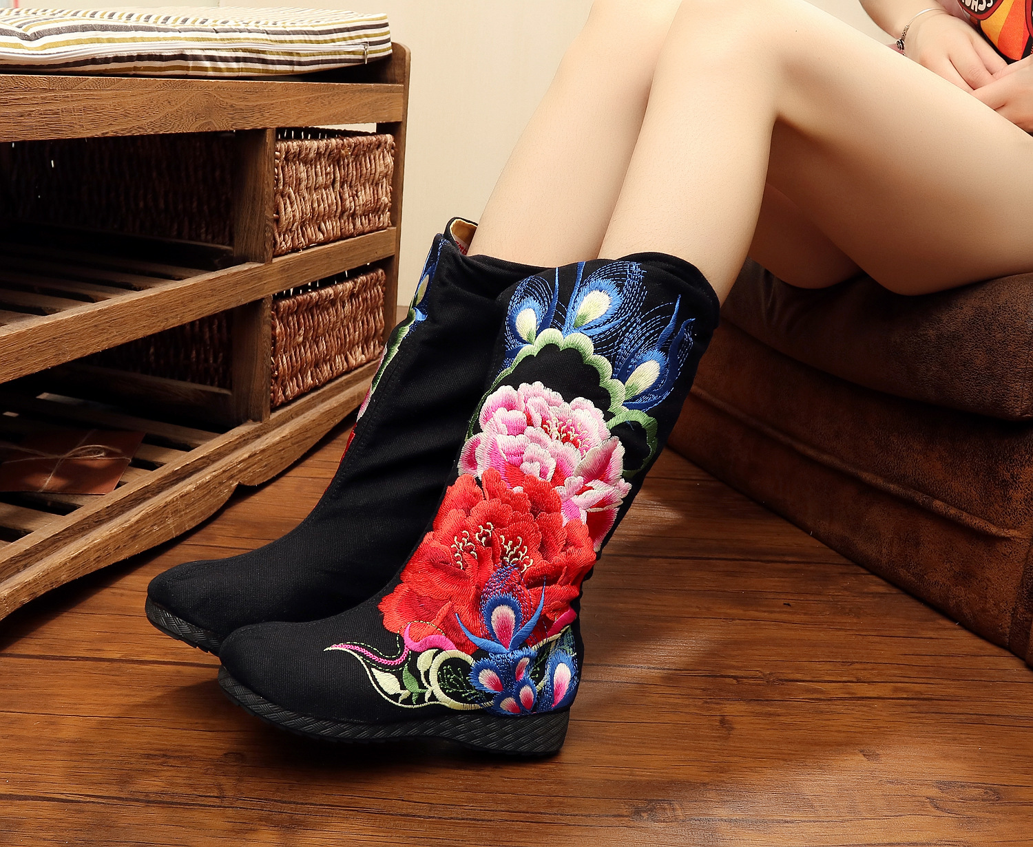 Chinese Embroidery boots National Ethnic Big Peony Pteris embroidered Old BeiJing boutique flower canvas Shoes plus size 41<br><br>Aliexpress