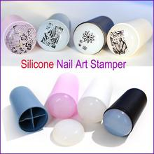 2017 New Design Nail Art Stamp 4 Color Silicone Soft Nail Art Templates for DIY New Year Christmas Gift 1 Stamper + 1 Scraper