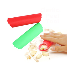 New Silicone Garlic Peeler Multi Color Kitchen Gadget Garlic Stripper Tube Garlic Peeling Machine Rub (Random Color )(China)
