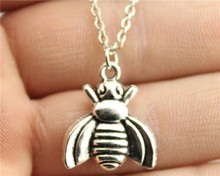 WYSIWYG simple fashion antique silver color 21*18mm BEE necklace
