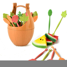 16pcs Green Biodegradable Wheat Straw Leaves Fruit Fork Set Party Cake Salad Vegetable Forks Picks Table Decor Tools 2017 NEW(China)