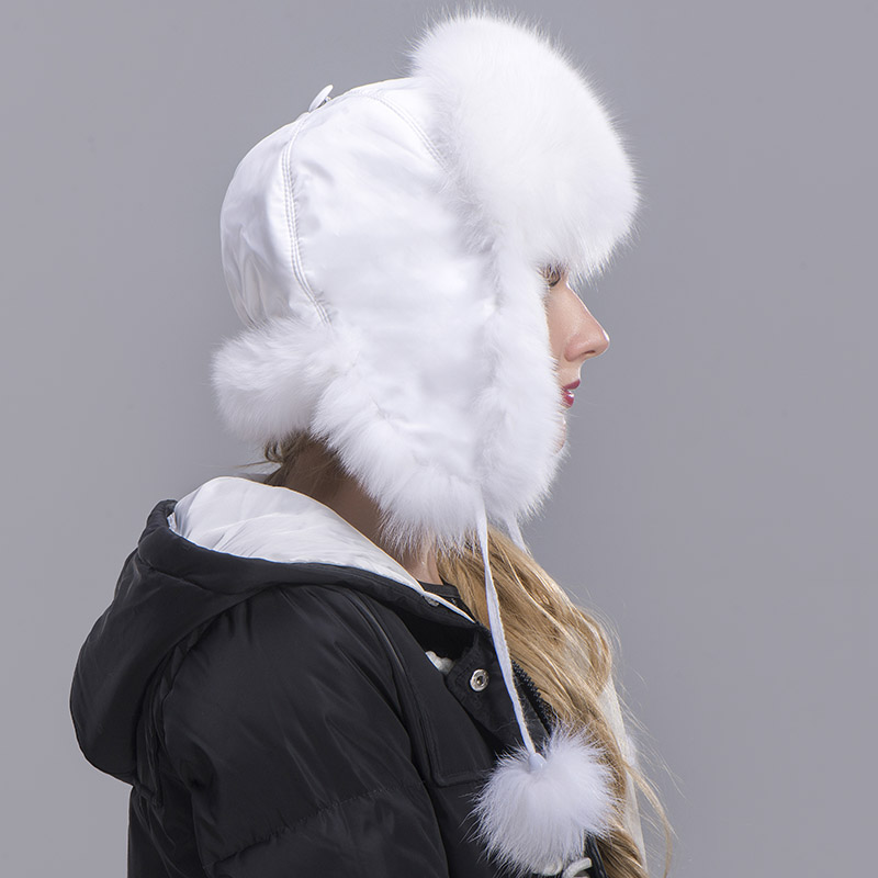fox fur hat woman white 1