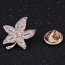 New design lapel pin jewelry Gold Women brooches Maple Leaf shaped brooch unique scarf brooches pin delicate badge buckle