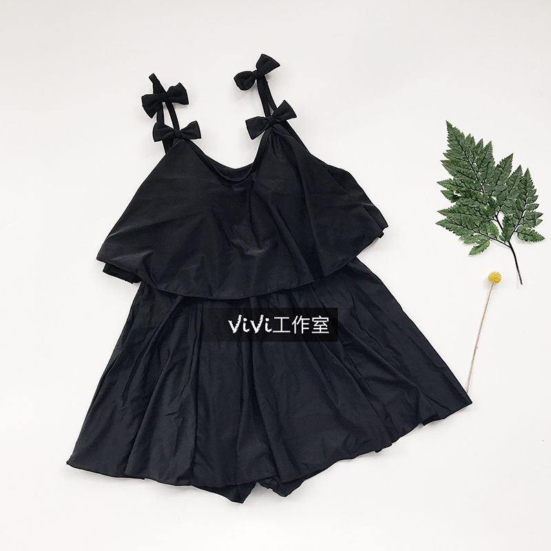 black one-piece female ultra thin skirt cover small chest belly conservative students gather in bikinis<br>