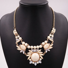 CINDY XIANG Beige Color Resin Flower Necklaces & Pendants for Women Summer Design Collar Necklaces Short Fashion Jewelry Gift