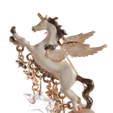 fashion lychee Fashoion Ancient Pegasus Five Stars Charm Brooch Pin Women Horse Breastpin Jewelry(China)