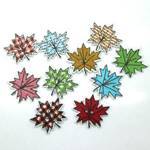 50Pcs/lot Tree leafs Buttons Knopf 2 Holes DIY Random Wooden maple leaf shaped Buttons 24*23mm Sewing Scrapbooking Accessories