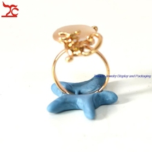New Arrival Blue Tack Creative Jewelry Display Holder Soft Clay Ring Stand Jewelry Fixed tool, best for photograph