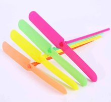 10pcs Novelty Plastic Bamboo Dragonfly Propeller Outdoor Classic Toy Kid Gift Rotating Flying Arrow Multicolor Random Color(China)