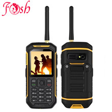 XENO X6 UHF Walkie Talkie IP68 Rugged Mobile Phone Proof D 'Water Function 2500 mah 2.4 Inch Dual SIM GSM card with torch X1 X5(China)