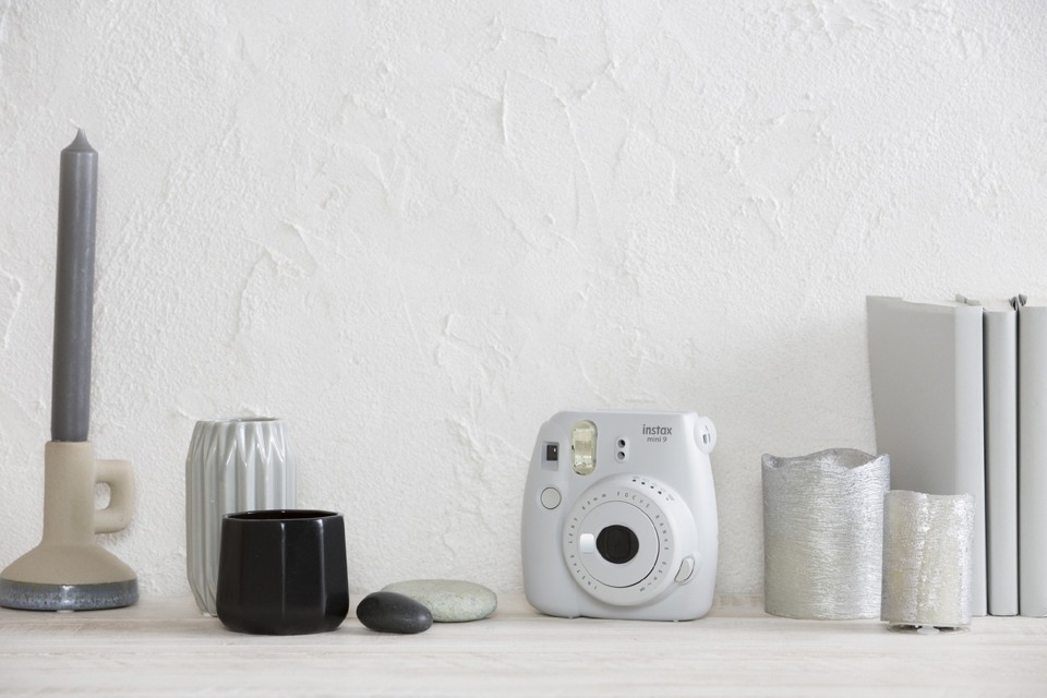 instax-mini-9-smoked-white