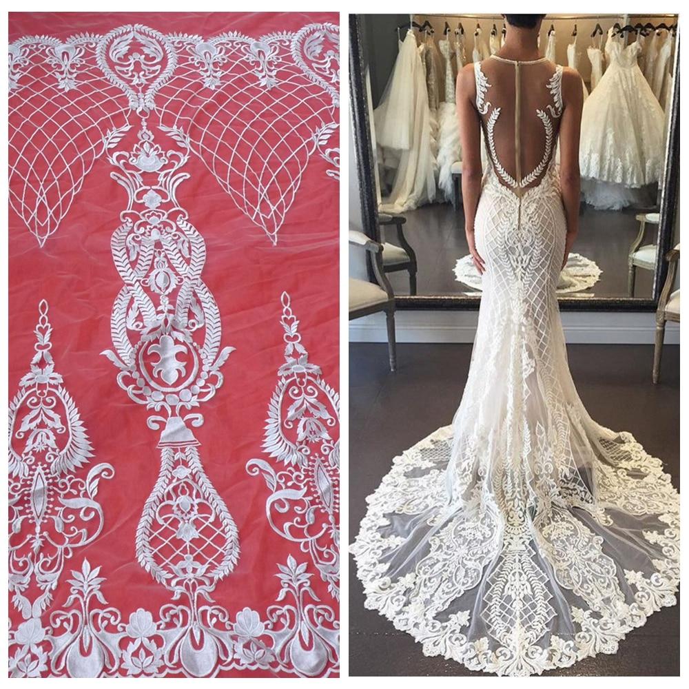 К чему черная вышивка на свадебном платье