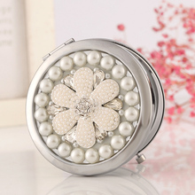 Engrave letters free,bling Crystal Mini Beauty pocket mirror makeup compact mirror,pearl sunflower,stainless steel,wedding gifts(China)