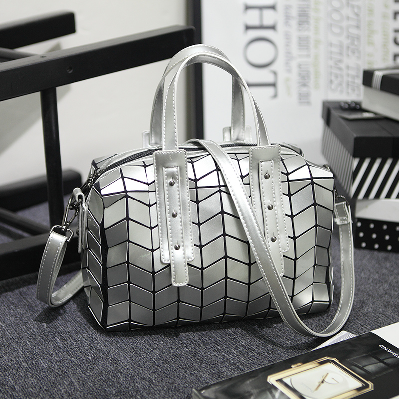 2016 Women Fashion Laser BAOBAO Bag Geometry Package Sequins Saser Plain Folding Women Tote Bag Handbags Briefcase Shoulder Bag <br>