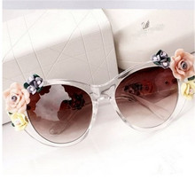 MISM 2017 Summer New Fashion Sunglasses Flowers Multicolor Simple Elegant Acrylic For Women Female Adult Goggle Eye Wear
